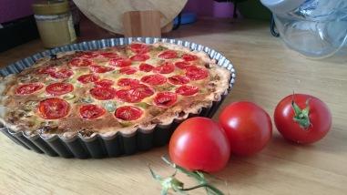 abgewandeltes Rezept der kleinen Tomatentarte, gefunden auf dem Blog von Schön & fein